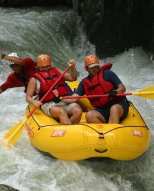 rafting on El Chorro in Costa Rica