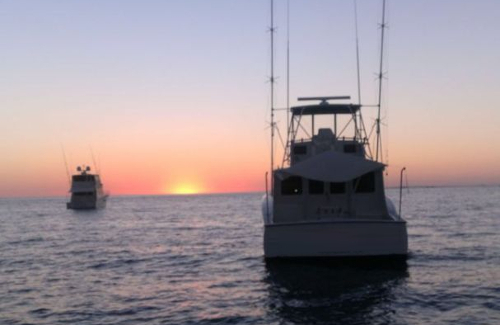 boat before sunset on costa rican fishing charter