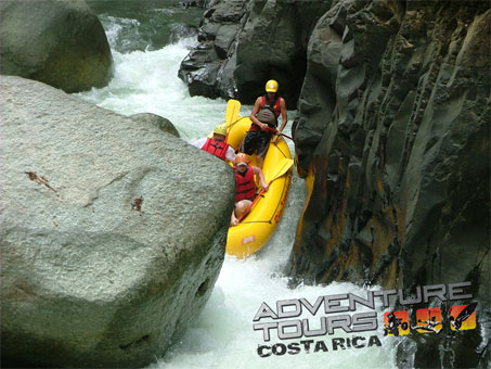 Why Whitewater Rafters Seek this Thrill