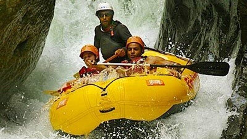 Rafting en el Río Naranjo Clase IV